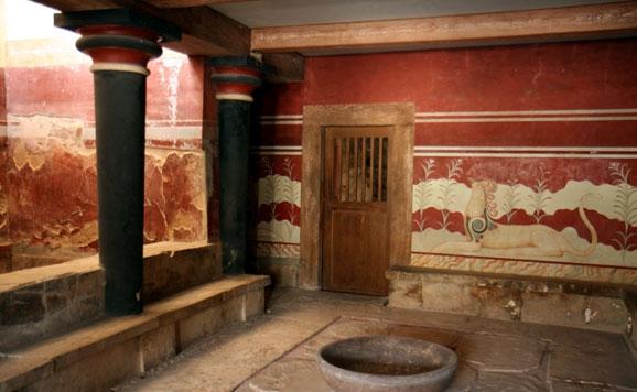 Detalle de la decoración de la sala del Trono en el palacio de Knossos en Creta (Grecia)