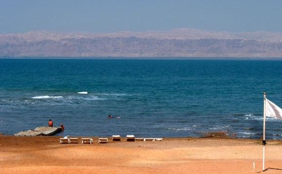 Vistas del Mar Muerto desde las playas de Jordania