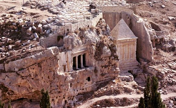 Tumbas de Absalom y de Beni Hazir en el Valle del Cedrón en Jerusalén