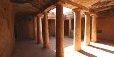 Interior de una de las tumbas de influencia Tolomaica en Paphos (CHIPRE)