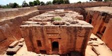 Tumba subterranea de influencia Tolomaica en la ciudad de Paphos (Chipre)